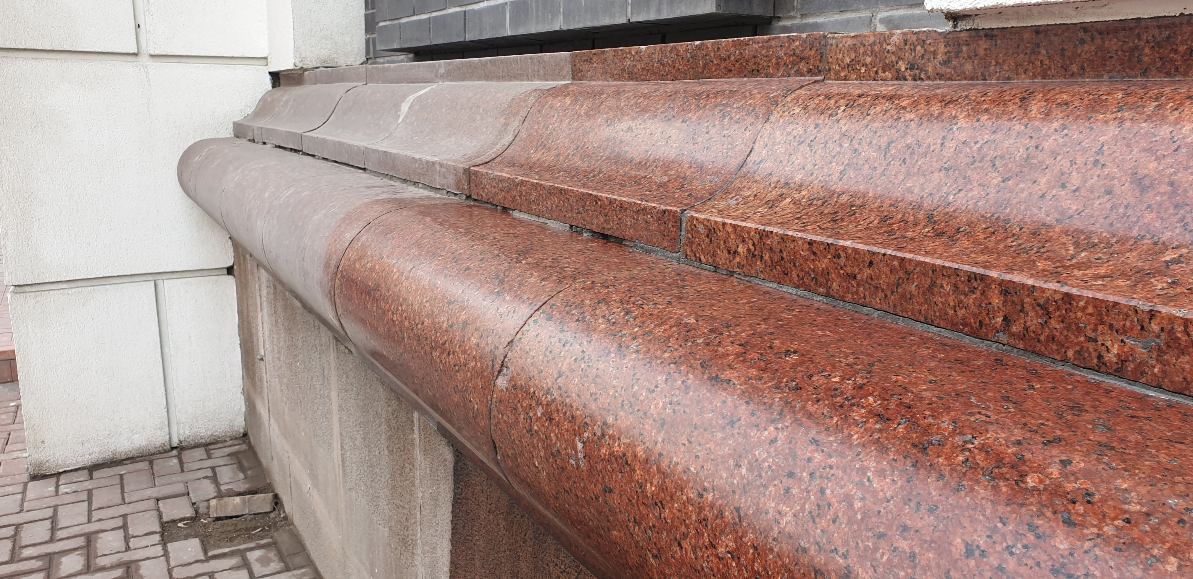 Очистка и защита полированного гранитного камня