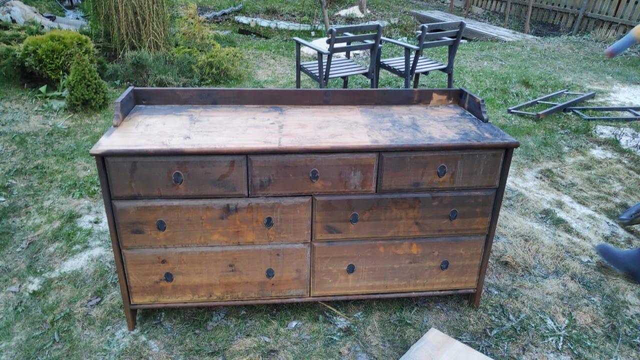 Очистка деревянной мебели после пожара