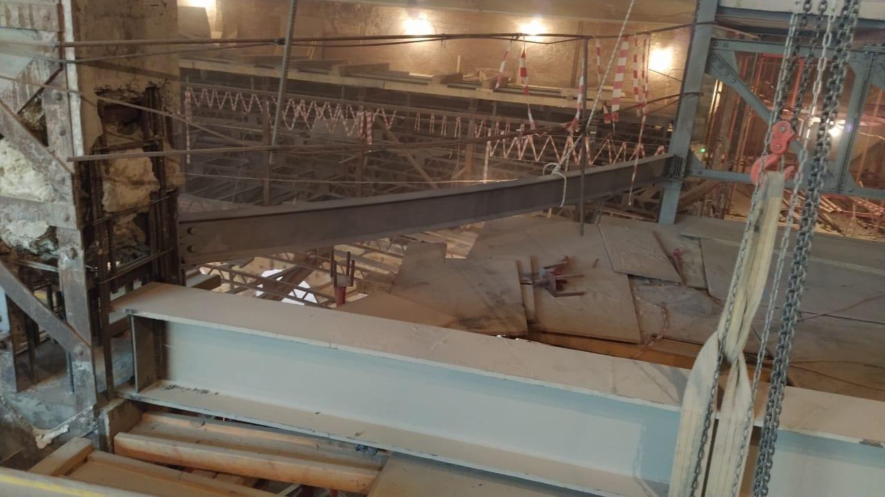 Реставрационная очистка металла на Политехническом музее