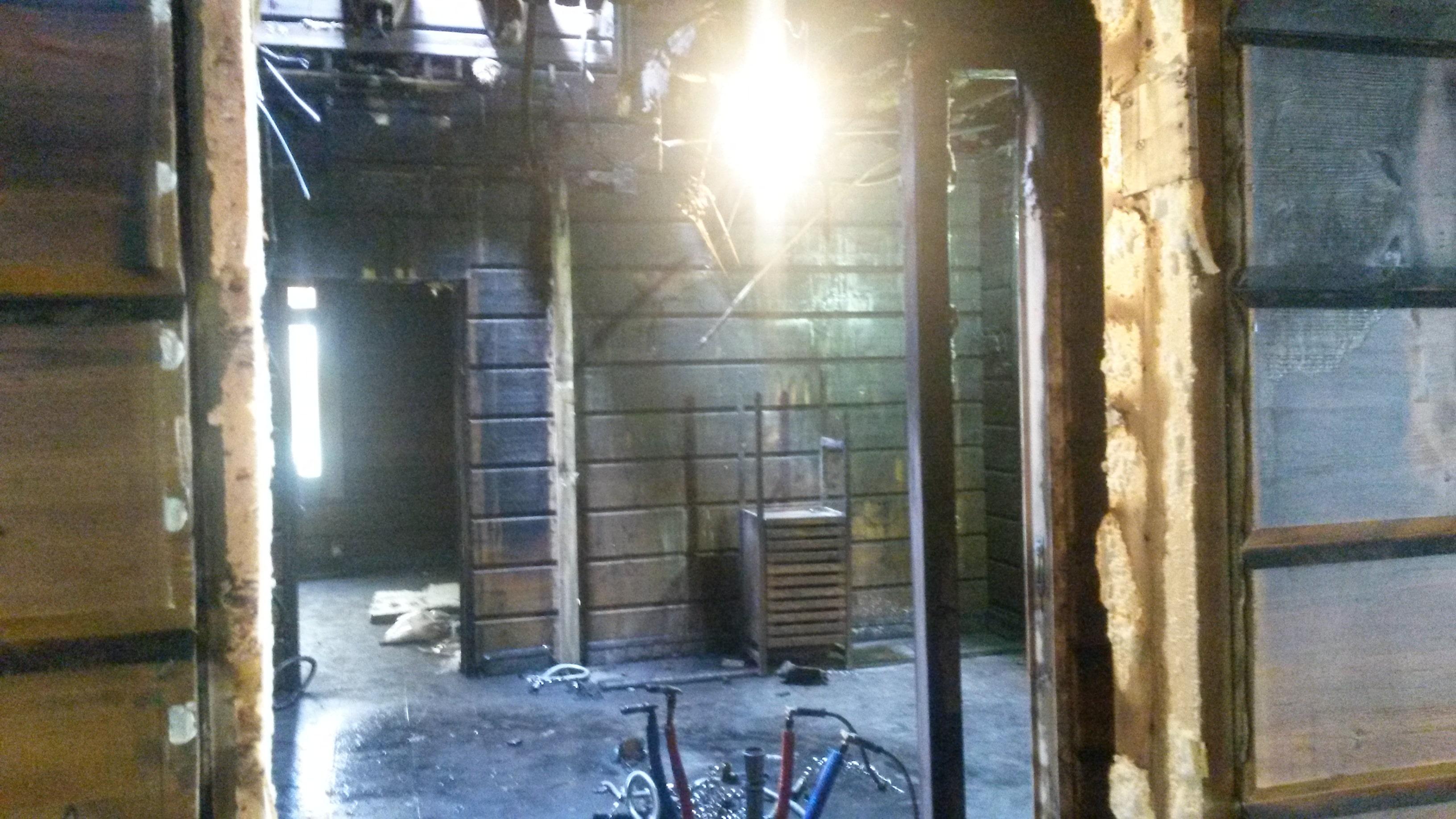 Очистка дома из клееного бруса после пожара